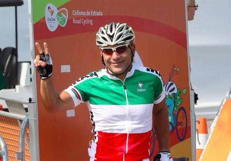 بهمن گلبارنژاد، الگوی یک قهرمان